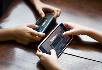 PlayEdge lets friends play mobile games together